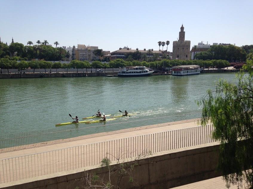 Sevilla. rutas con moto a Madrid
